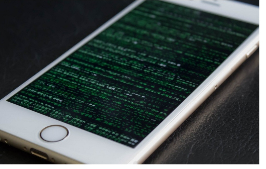 The iOS Hole allows hackers to Access IPHONE Remotely Without Touching The Device